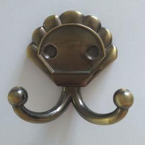 Крючок мебельный KL- 70B AB (бронза)